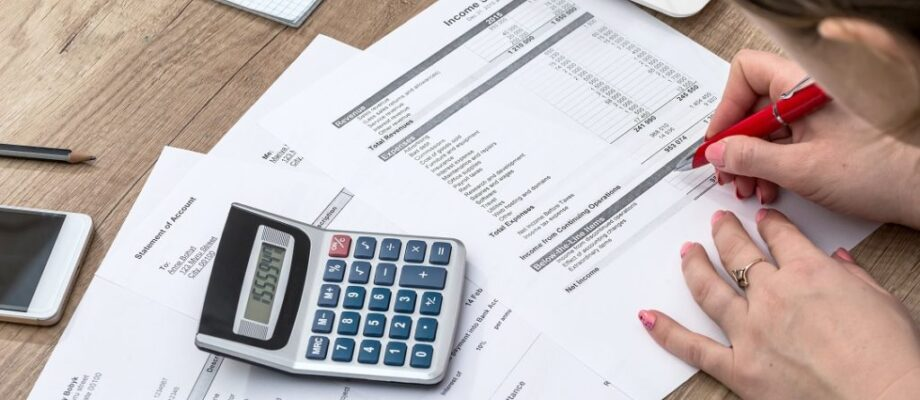 3 Ways To Stop Allowing Big Expenses To Break Your Budget