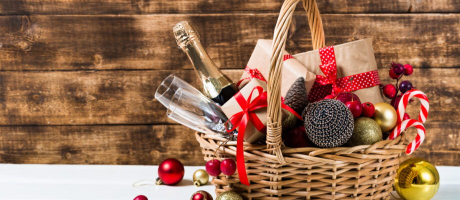 Find the Ideal Christmas Hamper Gift for Xmas 2021
